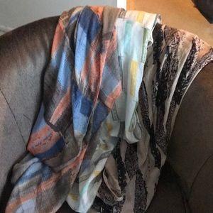 Accessories - EUC Set of 3 infinity scarves